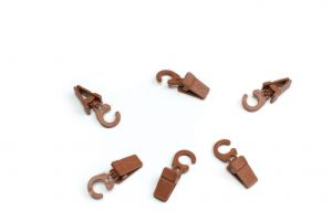 Plastic clips with hook for wooden curtain rod cherry